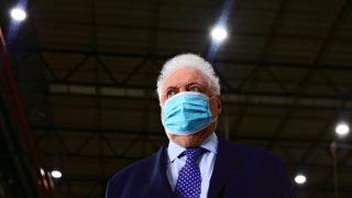Vacunación VIP: renunció Ginés González García y asume Carla Vizzoti en Salud